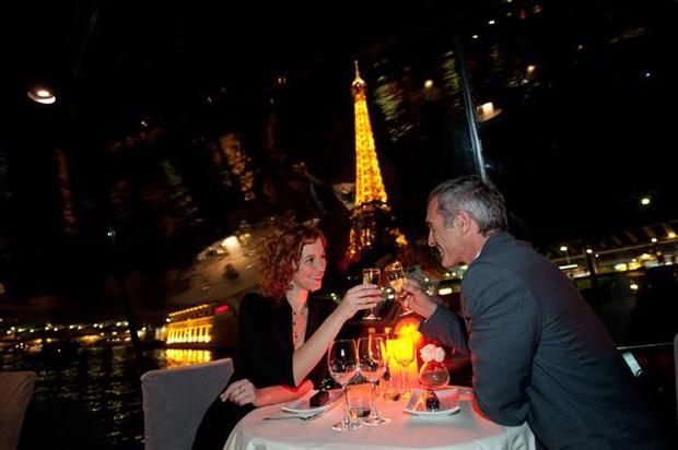 Bateaux-Parisiens-jantar