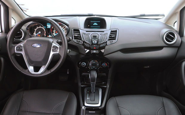 Ford-New-Fiesta-Sedan-2014-1