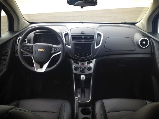 interior-novo-chevrolet-tracker