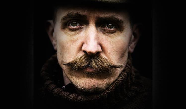 bigode-masculino