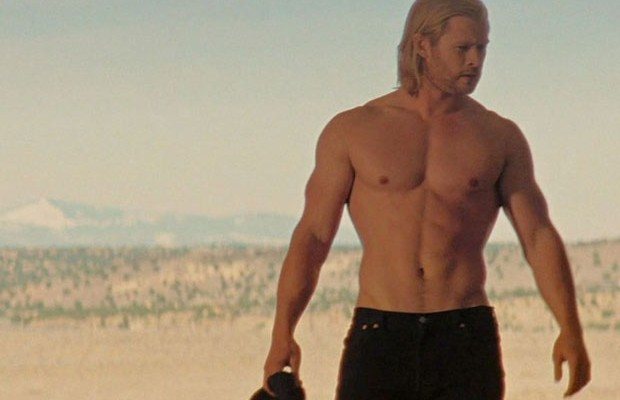 chris-hemsworth-semcamisa
