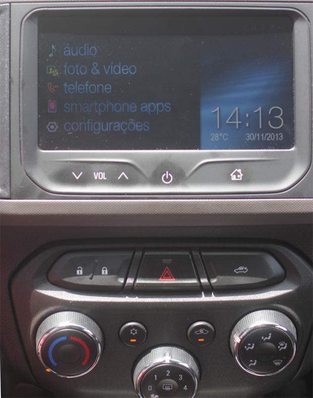 Novo-Chevrolet-Prisma-2014-11