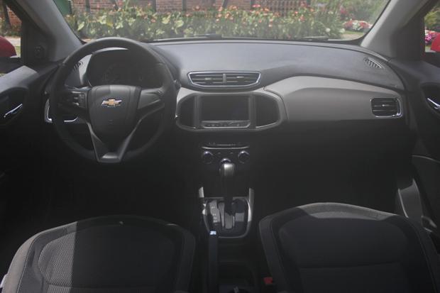 Novo-Chevrolet-Prisma-2014-13