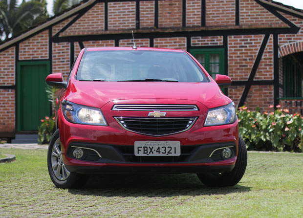 Novo-Chevrolet-Prisma-2014-2
