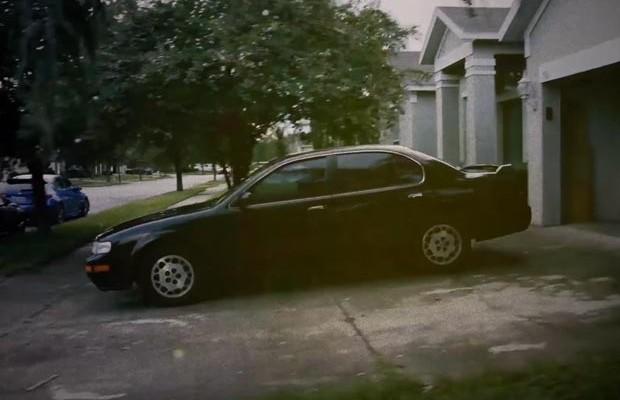 Cineasta anuncia seu carro velho de forma tão genial que a própria montadora o comprou