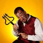 Homem gasta mais de R$ 40 mil para se transformar no Capiroto!