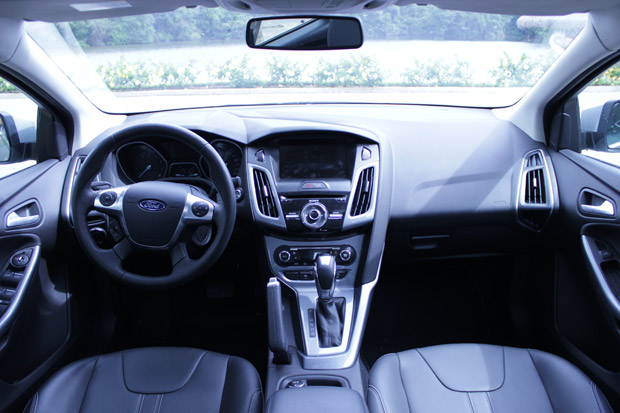 Ford Focus St Interior together with D Cosworth Cooling System Question Would This Work B F C A A C A F in addition Pic X moreover  moreover Bomba Ve. on 2014 ford focus manual