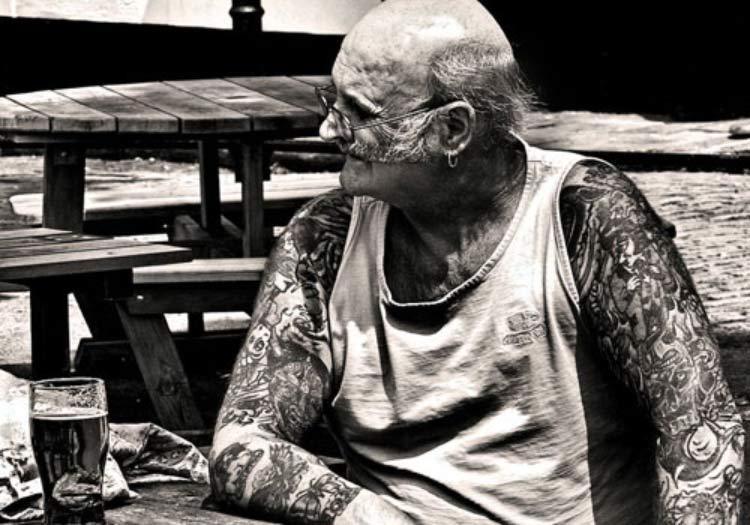 idoso-tatuado
