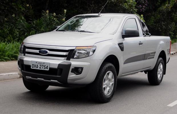 Dirigimos a nova Ranger Sport 2014 da Ford