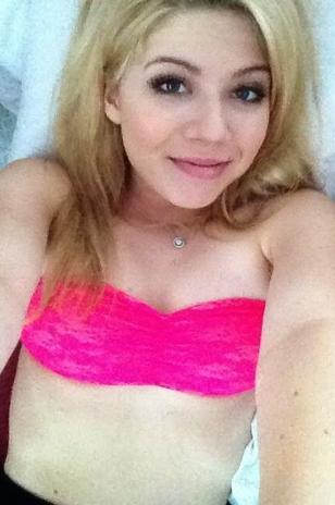 jennette-mccurdy-sexy-twitter-foto-1