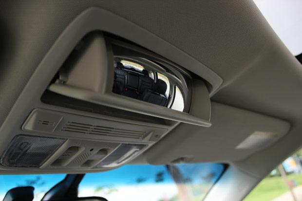 DetalheEspelho-Interno-CRV-Honda