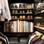Organizando um guarda-roupa