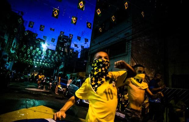 O Outro Lado do Brasil durante a Copa do Mundo