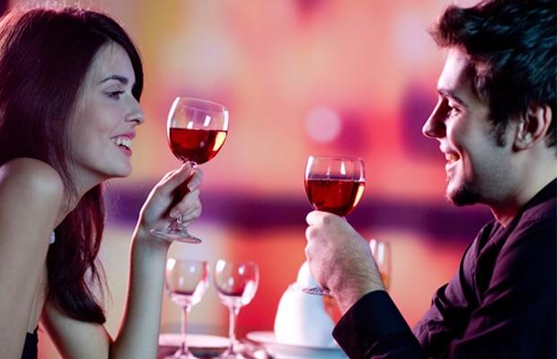 Casais que bebem juntos duram mais.