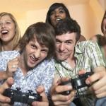 Jogar video game estimula mais a criatividade do que ler um livro, segundo estudo.