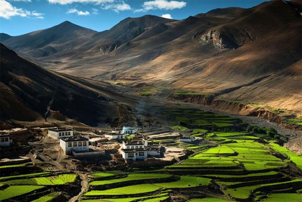 3) Vilarejo no Himalaia, Tibete