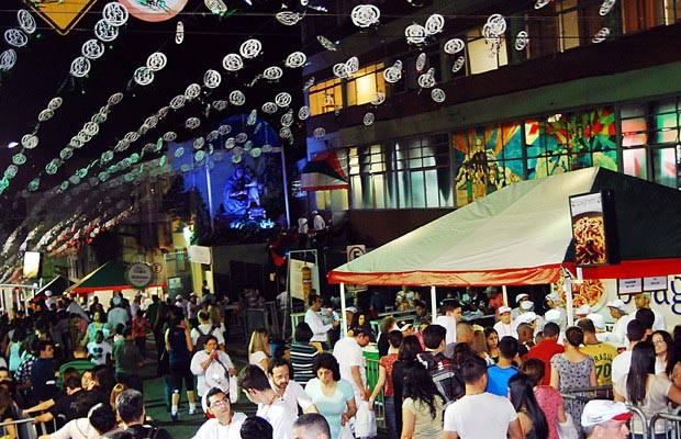 Festa da Achiropita traz o melhor da gastronomia italiana ao Bixiga [SP]