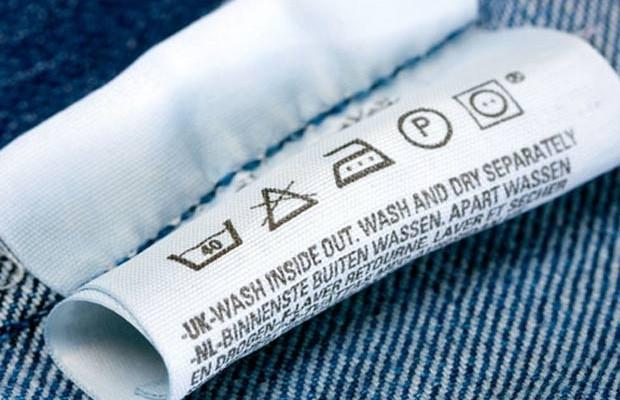 Etiqueta das roupas