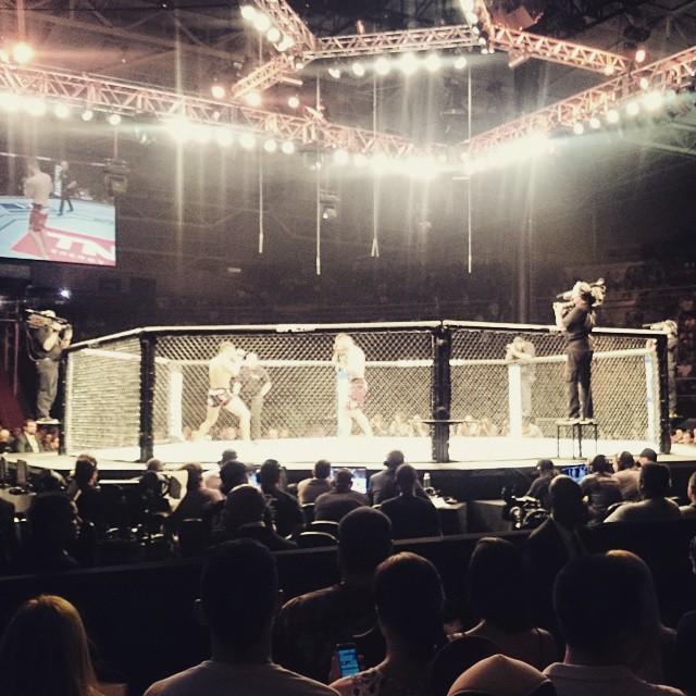 Hora do #UFC! ? ??