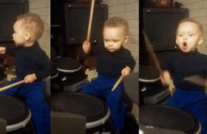 """Um baterista de dois anos tocando """"The Pretender"""" do Foo Fighters"""