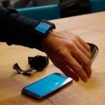 Aria controle seu smart watch com gestos