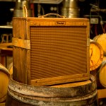 Fender transforma barril de whiskey em amplificador