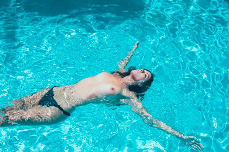 Carmella-Rose-topless