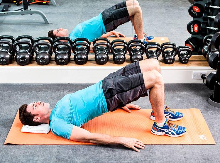 Adicione a ponte para glúteos no seu treino de abdominal