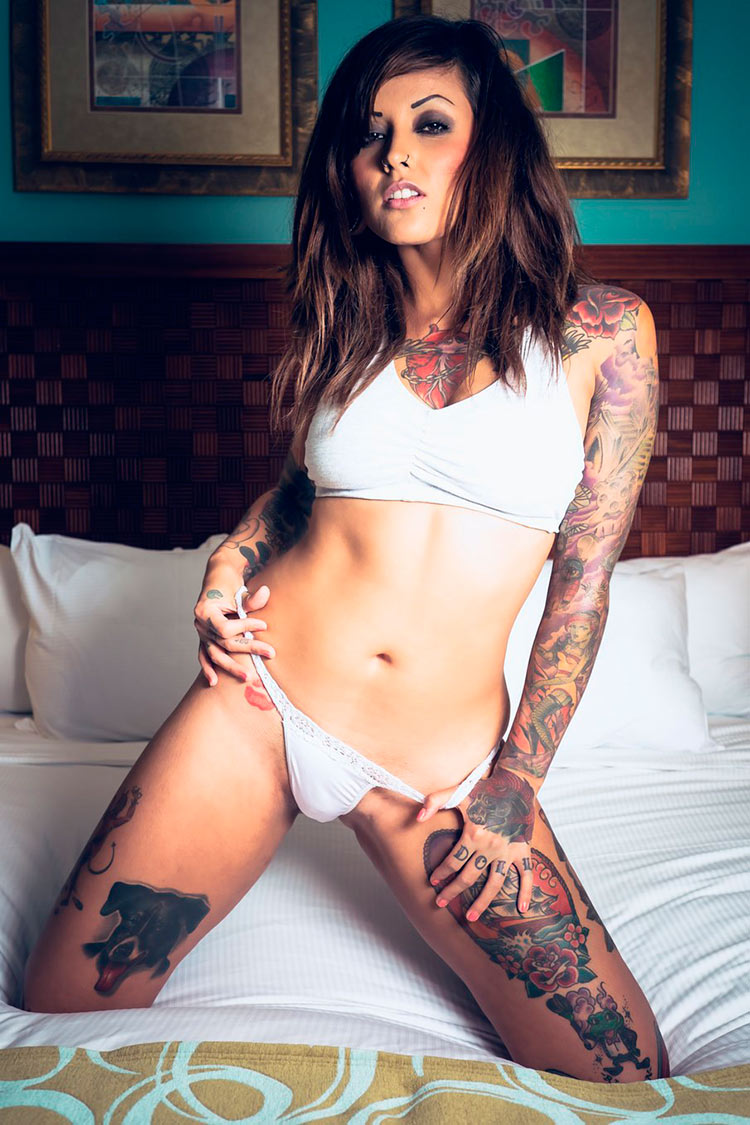 sexy-rocker-girl-tattoo