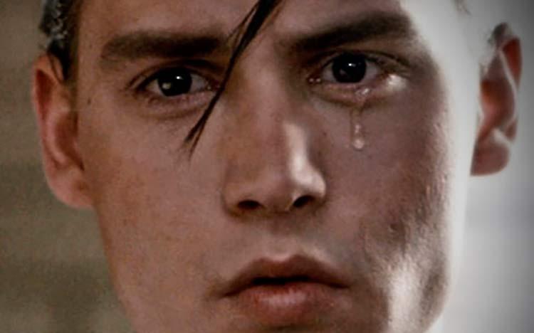 johnny-depp-chorando