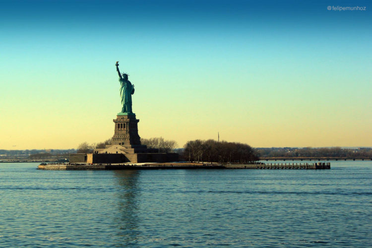 statue of liberty_sign
