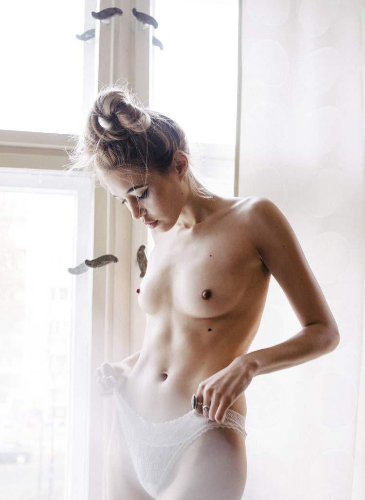 Alexis White Girl 8