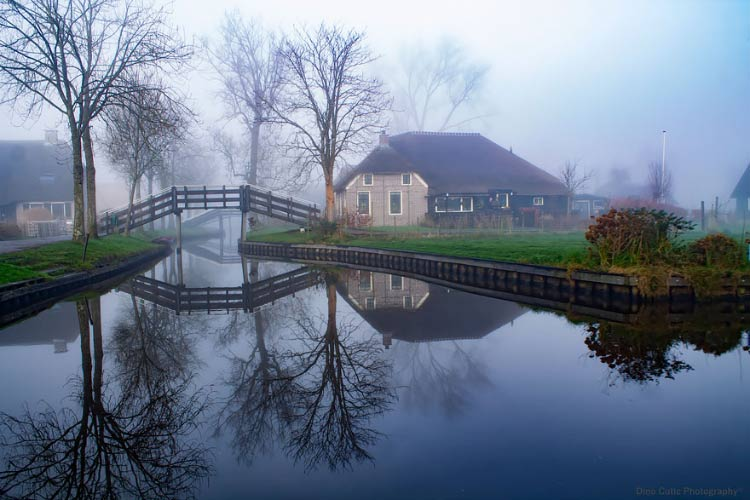 water-village-no-roads-canals-giethoorn-netherlands