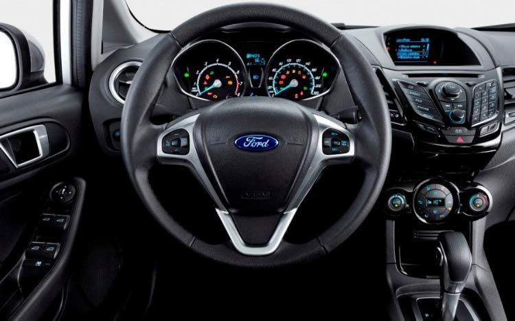 ford lan a new fiesta 2017 com motor ecoboost tudo para homens. Black Bedroom Furniture Sets. Home Design Ideas