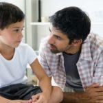 pai-conversando-filho