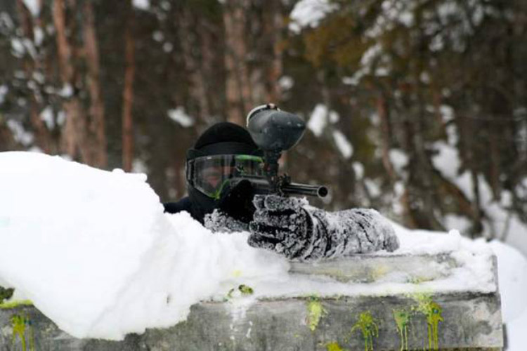 paintball-na-neve-noruega
