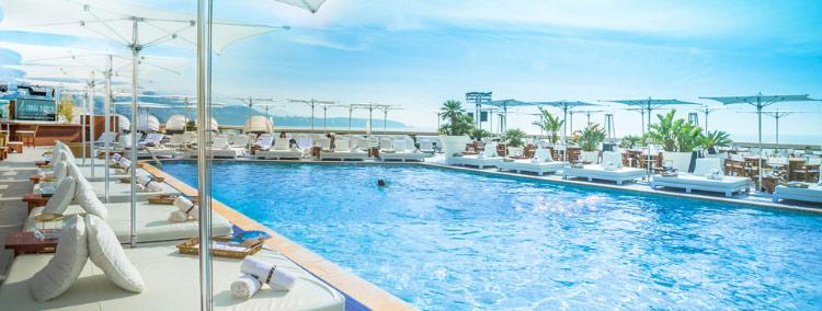 Hotel-Fairmont-Monte-Carlo-piscina