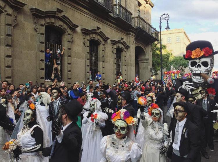 desfile-dia-de-muertos-mexico