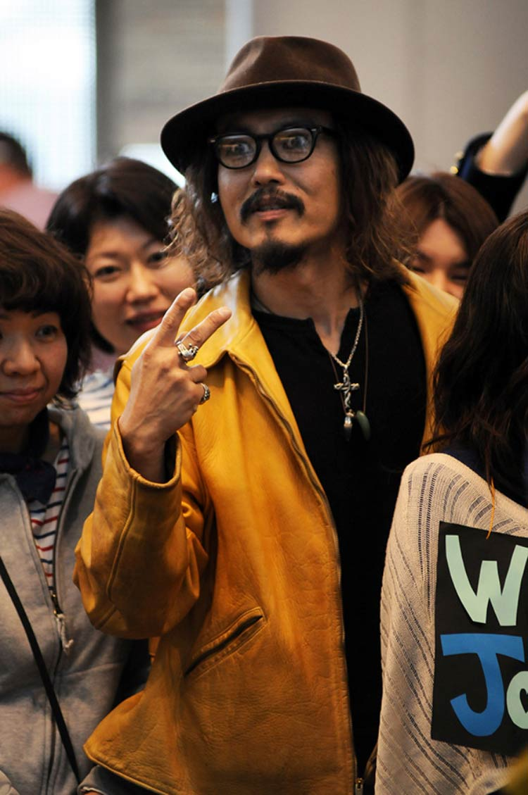 Johnny-Depp-japan-cover