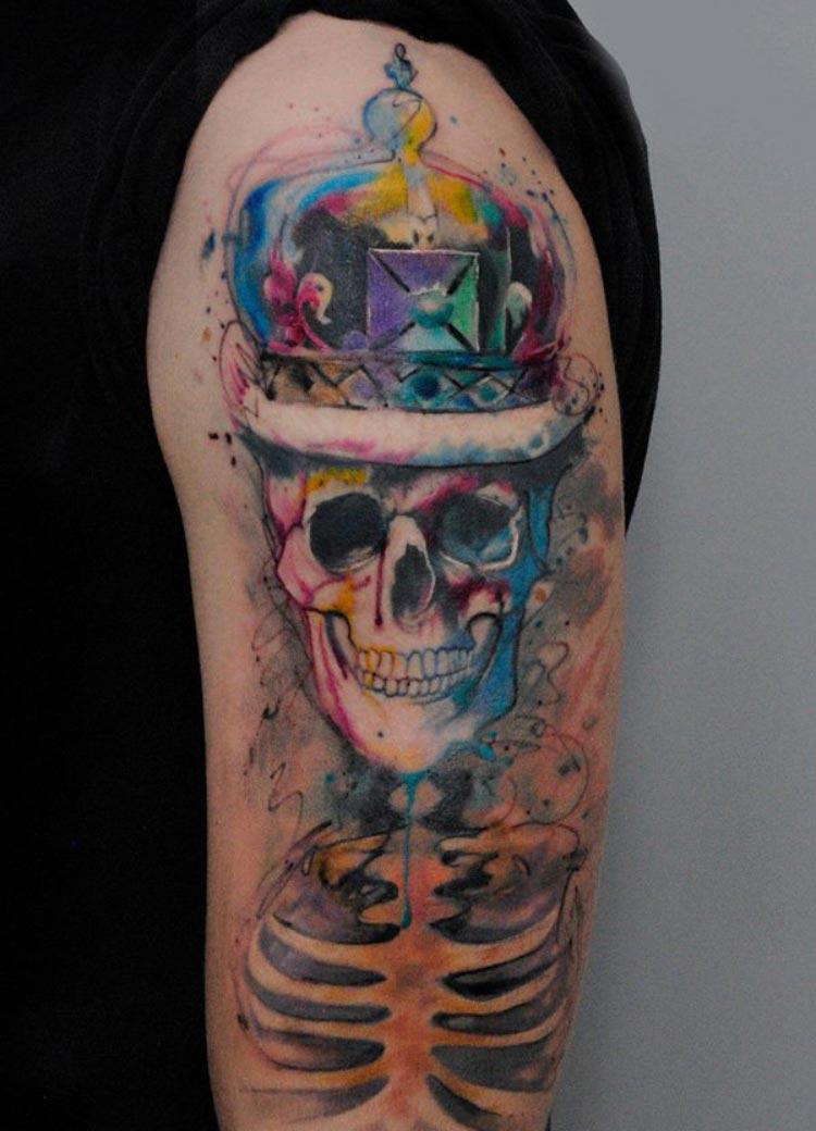 tatuagem-caveira-aquarela-masculina