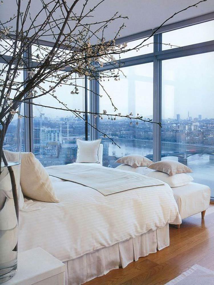 bedroom-with-amazing-view
