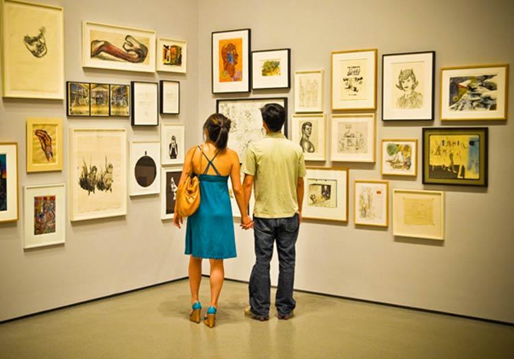 casal-no-museu