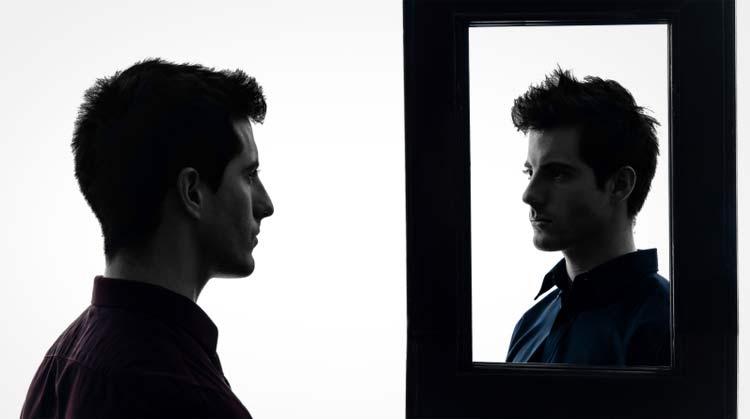 olhando-no-espelho