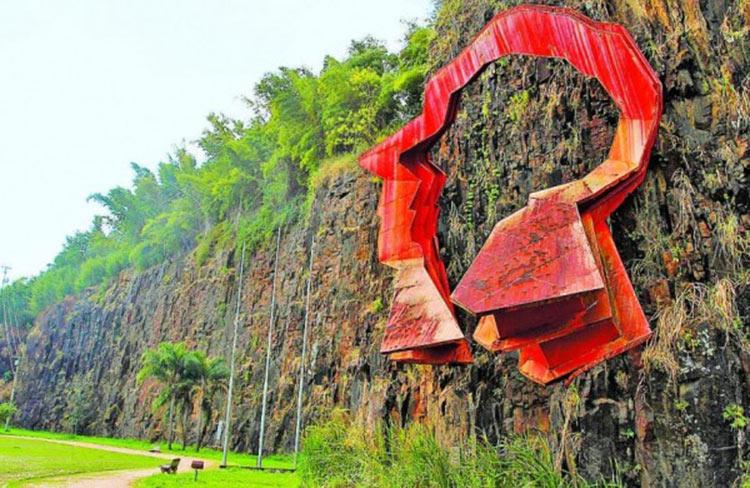 Pedreira-do-Chapadão