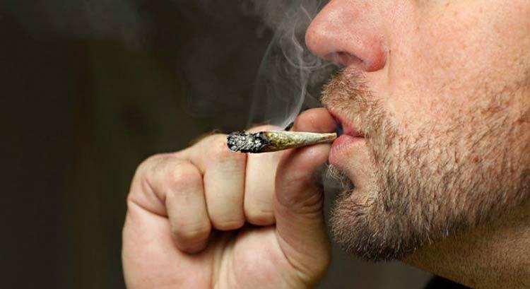 fumando-maconha