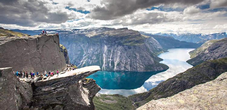 Trolltunga-fjord