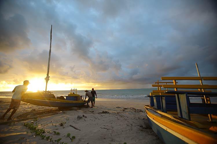 barco-nascer-sol-saomiguel