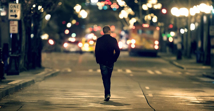 caminhando-a-noite