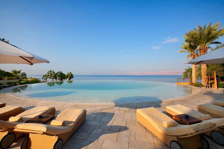 kempinski-hotelishtar-jordan-piscina