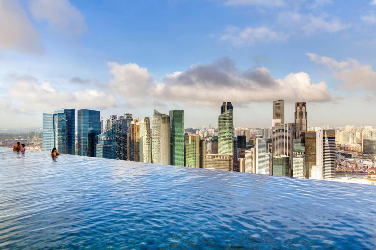 sans-skypark-singapore-piscina